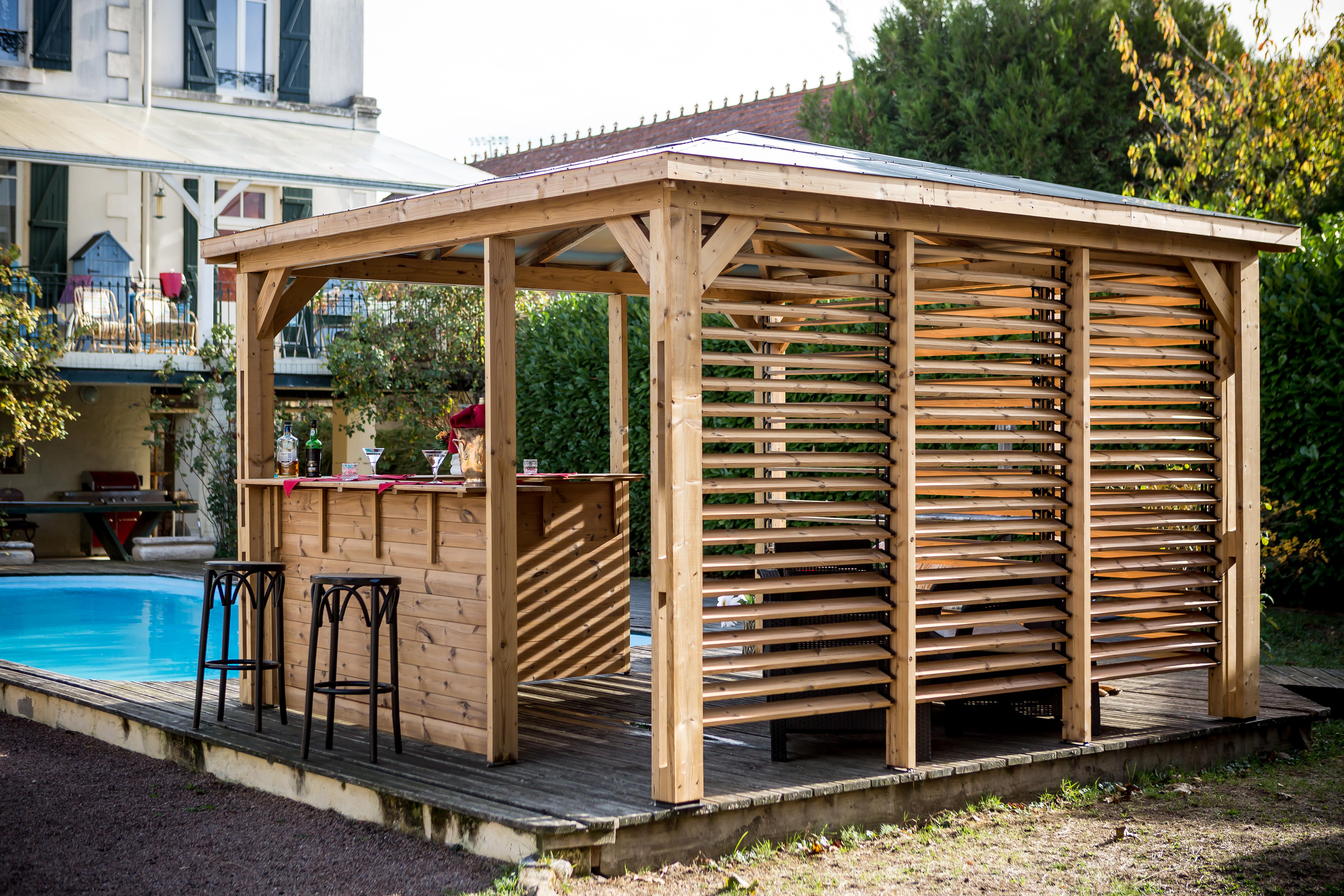 Kiosque En Bois Hexagonal pool house blueterm en bois 2 parois avec ventelles mobiles / 2 parois avec  comptoir toit en panneaux acp